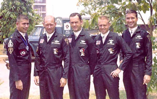 A flight in early 1968. L to R: Dave Igelman, Rog Ignvalson, Ken Everett, Monty Pharmer & Gary Durkee. (Courtesy of Monty Pharmer)